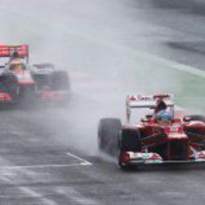 Hamilton persigue a Alonso en la clasificación de Gran Bretaña 2012