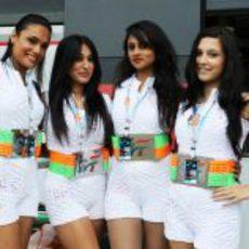 Force India llevó a sus propias 'pit babes' a Gran Bretaña