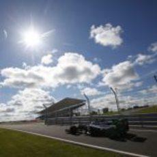 El sol brilla para Valtteri Bottas