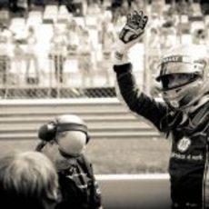 Vitaly Petrov saluda a sus paisanos en el Moscow Raceway