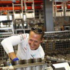 Michael Schumacher monta un motor Mercedes