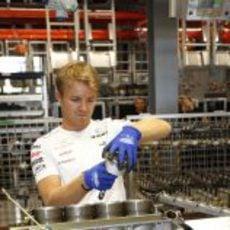 Nico Rosberg monta un motor Mercedes en Rastatt