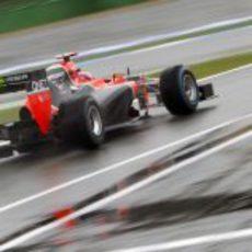 Timo Glock rueda en el circuito mojado de Hockenheim