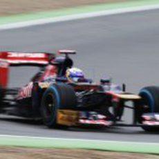 Daniel Ricciardo rueda con lo neumáticos de lluvia extrema