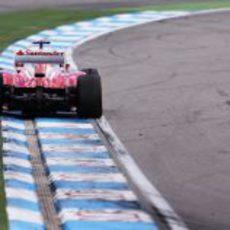 Fernando Alonso lidera del GP de Alemania 2012