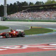 Felipe Massa trata de recuperar posiciones en Hockenheim