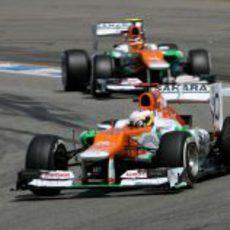 Los dos Force India disputan el GP de Alemania 2012