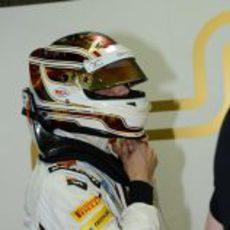 Dani Clos se pone el casco durante los libres 1 del GP de Alemania 2012