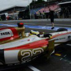 Pedro de la Rosa vuelve al garaje con el F112