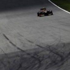 Romain Grosjean rodando en solitario en el circuito de Hockenheim
