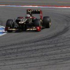 Kimi Räikkönen a bordo de su Lotus E20 en hockenheim