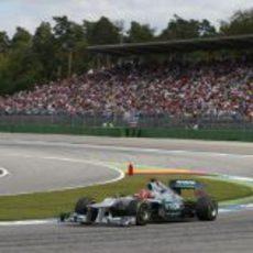 Michael Schumacher salió tercero en Alemania y terminó séptimo