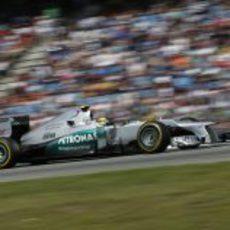 Nico Rosberg completó el primer 'stint' en Alemania con blandos