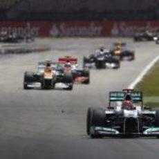 Michael Schumacher rueda en tercera posición