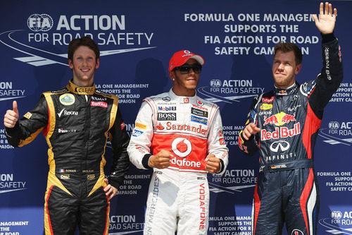 Los tres primeros de la clasificación posan ante las cámaras