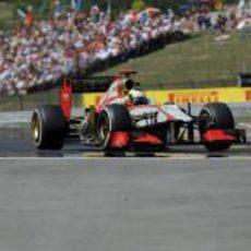 Pedro de la Rosa a los mandos del F112 durante el GP de Hungría 2012