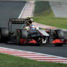 Narain Karthikeyan con su F112 durante el GP de Hungria 2012