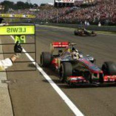Lewis Hamilton gana la carrera de Hungría