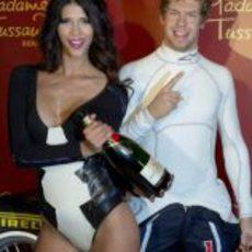 Champán para la presentación de la nueva figura de Sebastian Vettel