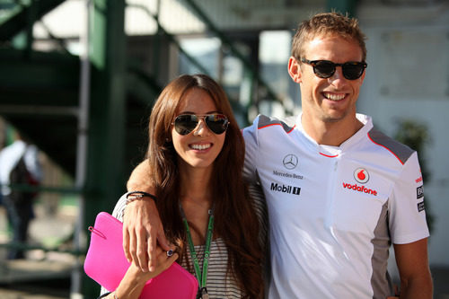 Jessica Michibata y Jenson Button en el GP de Hungría 2012
