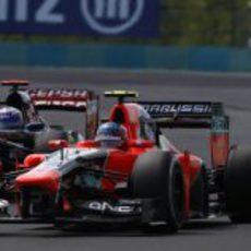 Charles Pic pelea con Daniel Ricciardo en Hungaroring