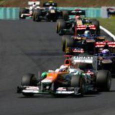 Paul di Resta bate a los Toro Rosso y los Caterham