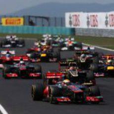 Lewis Hamilton realizó una buena salida en Hungría