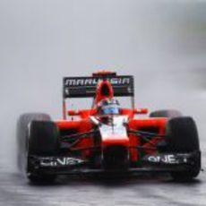 Timo Glock rueda bajo la lluvia en los Libres 2
