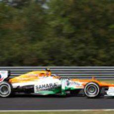 Nico Hülkenberg rueda con el VJM05 en los Libres 3