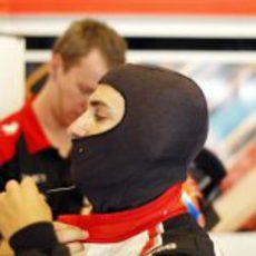 Timo Glock se prepara para la clasificación del GP de Hungría 2012