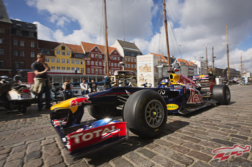David Coulthard y el RB6 en Copenhague