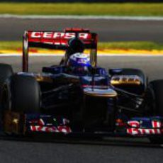 Daniel Ricciardo pilota el STR7 en los Libres 3 del GP de Bélgica 2012