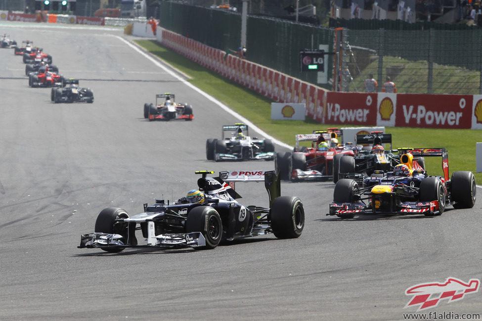 Bruno Senna lidera al grupo en Spa