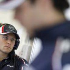 Valtteri Bottas en el box de Williams en Spa-Francorchamps