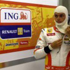 Piquet con el mono de piloto