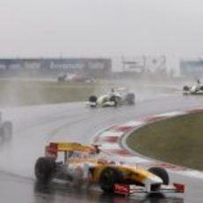 Alonso detrás del Safety car
