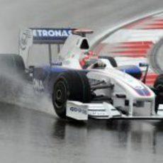 Kubica rueda en mojado