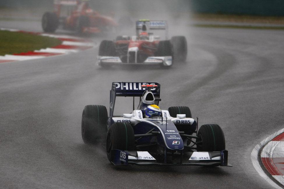 Rosberg defiende su posición