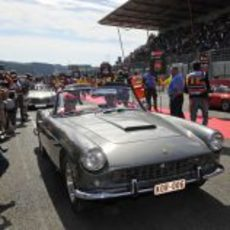 Fernando Alonso en la 'drivers parade' del GP de Bélgica 2012