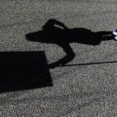 Sombra de una de las 'pit babes' de Spa