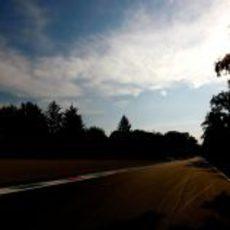 La pista recorre el bosque de Monza