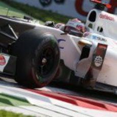 El C31 de Kamui Kobayashi rueda sobre el asfalto de Monza
