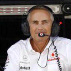 Martin Whitmarsh en el muro de McLaren durante los libres