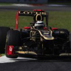 Kimi Räikkönen en la Variante della Roggia durante los entrenamientos libres del GP de Italia