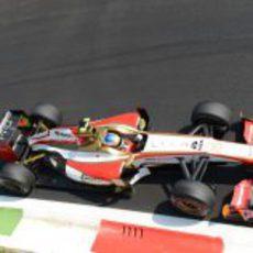 Narain Karthikeyan rueda en el Gran Premio de Italia