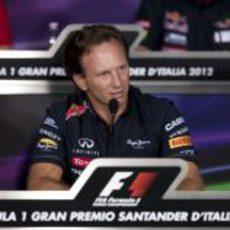 Christian Horner en la rueda de prensa de la FIA en Italia