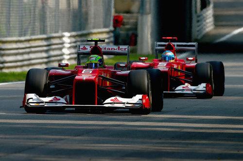 Massa y Alonso corriendo juntos en la clasificación de Monza 2012