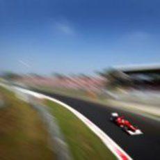 Fernando Alonso a toda velocidad en Monza 2012
