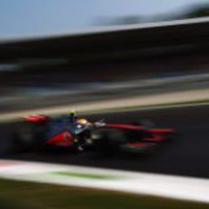 Lewis Hamilton pisa a fondo en Monza