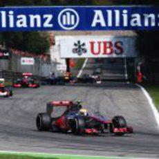 Lewis Hamilton lidera el GP de Italia 2012